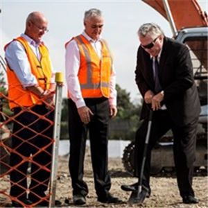 Lord Mayor of Newcastle, Cr Jeff McCloy (right) with Neil Naismith, Aurecon and Allen Morton, ATB Morton (left)