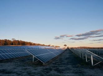 The University of New England solar farm will allow the university to minimise its grid usage and reduce pressure off local resources.