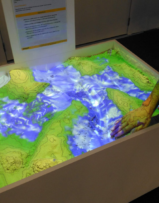 Aurecon created a tactile installation for the public exhibition using a digital sandbox to demonstrate the contours of the Otakaro Avon River Corridor.