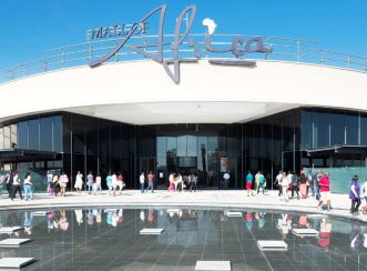 The Mall of Africa opened to 120 000 people on 28 April 2016