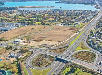 Papakura to Drury interchange improvements provide additional walking pedestrian and cycle crossings that will provided at the intersections in SH1 Papakura.