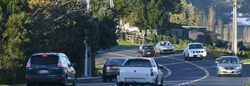 During the first three months of the trial, Aurecon recorded an average of 1 900 cars per hour traveling along Whangaparaoa Road during peak periods...