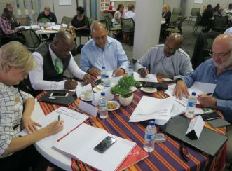 City of Tshwane Mayor, Solly Msimanga, attending a workshop at Aurecon aimed at collaboratively brainstorming ways to reinvent the City